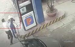 Cán bộ ngân hàng đánh nữ nhân viên cây xăng vì nghi gian lận