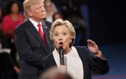 Hillary giận dữ chỉ tay, đáp trả kẻ gọi chồng bà là
