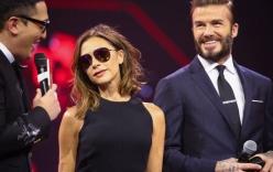 Vợ chồng Victoria Beckham tình cảm trên sân khấu
