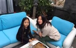 Con gái Triệu Vy ngày càng xinh đẹp không thua kém mẹ