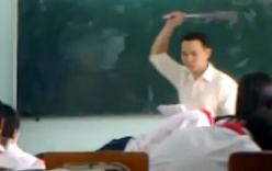 Xác minh video thầy giáo tát học sinh trong lớp học