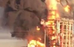 Nhà máy lọc dầu lớn nhất Italy phát nổ, biển lửa bao trùm bầu trời