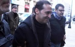 Video: Trùm mafia khét tiếng cười lạnh lùng khi sa lưới