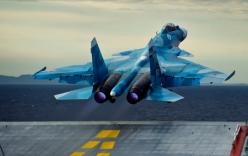 Tiêm kích Su-33 Nga lao xuống biển khi hạ cánh xuống tàu sân bay