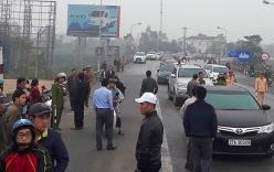 Người dân lại đưa hàng chục xe ô tô chặn cầu Bến Thủy phản đối thu phí