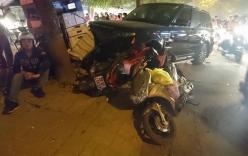 Xe Range Rover gây tai nạn liên hoàn trên đường phố Hà Nội