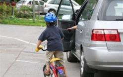 4 quy tắc mở cửa ôtô an toàn bạn nên biết