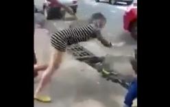 Clip cô gái bị bạn trai nhỡ tay