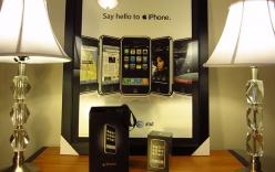 Rao bán iPhone phiên bản đầu tiên với giá hơn 500 triệu đồng