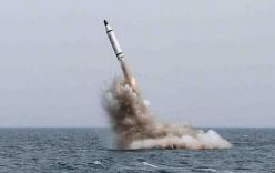 Video: Pakistan lần đầu phóng thành công tên lửa từ tàu ngầm