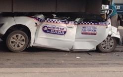 7 ô tô đâm nhau trên cầu Thanh Trì, taxi nằm gọn trong gầm xe tải