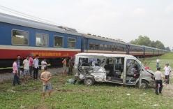 Tàu hỏa tông xe khách: Thương tâm với nhiều nạn nhân trẻ em