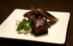 Quán bar Nhật Bản phục vụ côn trùng dịp Valentine