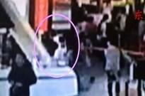 Video hot: Toàn cảnh vụ sát hại ông Kim Jong-nam từ camera sân bay