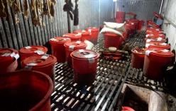 Vụ 8 người tử vong ở Lai Châu: Tiêu hủy gần 5.000 lít rượu độc