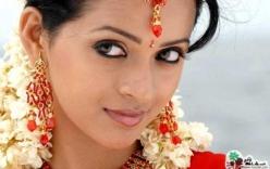 Clip mô phỏng quá trình nữ minh tinh Ấn Độ bị làm nhục