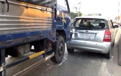 5 ô tô gây tai nạn liên hoàn, quốc lộ 1 ùn tắc gần một giờ
