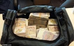 Cảnh sát Anh thu giữ túi tiền gần 27 tỷ đồng