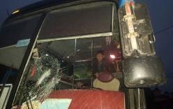 Côn đồ đập vỡ kính, đánh tài xế xe khách ở Yên Bái