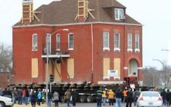 Ngôi nhà cổ 122 năm tuổi được di dời hơn 1km