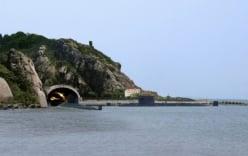 Căn cứ tàu ngầm bí mật của Trung Quốc ở Biển Đông