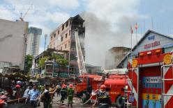 Ngôi nhà 5 tầng gần chờ Kim Biên bốc cháy dữ dội