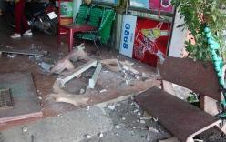 Ôtô trèo vỉa hè, tông vào quán cà phê khiến 3 người bị thương