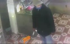 Trộm nửa đêm cầm dao xông vào nhà dân cướp tài sản