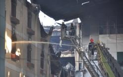 Cháy lớn ở Cần Thơ: Vẫn đang tiếp tục phun nước làm mát