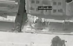 Video: Phiến quân IS hèn hạ dùng em bé làm lá chắn sống