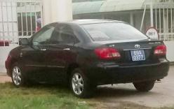 Chủ tịch huyện ở Cà Mau đi học bằng xe ô tô biển xanh