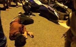 2 tên cướp iPhone 7 bị người dân đạp ngã sóng soài