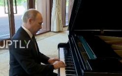Video: Putin chơi piano điêu luyện trong khi chờ ông Tập Cận Bình