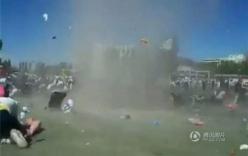 Video: Lốc xoáy cuốn bay xe tải lên trời ở Mỹ