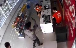 Nghi án dùng súng cướp cửa hàng điện thoại ở Bắc Ninh
