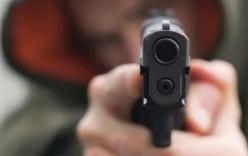 Bình Dương: Nghi can 76 tuổi dùng súng bắn người tử vong ra đầu thú