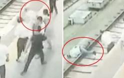 Thiếu phụ nổi điên, đẩy kẻ sàm sỡ ngã sấp mặt xuống đường ray tàu hỏa