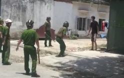 Hàng chục cảnh sát trấn áp thanh niên nghi