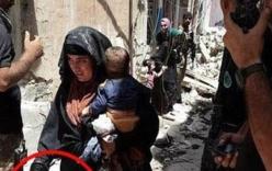 Nữ chiến binh IS ôm theo con đánh bom tự sát để giết lính Iraq