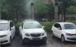 Hy hữu: Mưa rơi thành cột thẳng đứng ở Trung Quốc