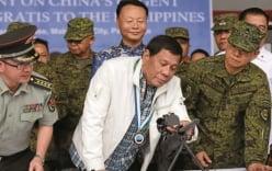 Trung Quốc bị nghi tặng súng kém chất lượng cho Philippines