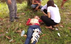 Bị cướp điện thoại và thách thức, người phụ nữ đuổi theo ngã chấn thương nặng