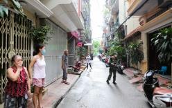 Hà Nội: Cán bộ tới tận nhà phun thuốc diệt muỗi, nhiều hộ dân đóng cửa, lấy lý do không cho tiếp cận