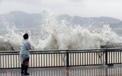 Bão Hato giật cấp 15 đổ bộ, Hong Kong nâng mức cảnh báo cao nhất