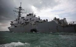 Nghi vấn tàu chiến Mỹ bị tấn công mạng trước khi va chạm tàu hàng