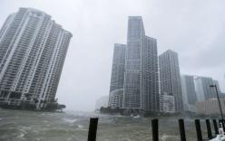 Siêu bão Irma biến đường phố Mỹ thành đại dương cuộn nước