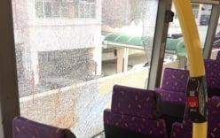 Đâm chết người trên xe buýt rồi nhảy qua cửa sổ chạy trốn