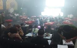 Đột kích quán bar, hàng trăm khách chơi vứt ma túy xuống sàn