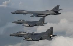 Hàng loạt chiến đấu cơ, máy bay ném bom Mỹ áp sát Triều Tiên