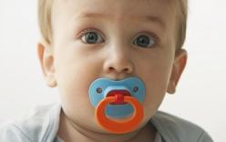 9 món đồ quen thuộc cha mẹ mua cho bé yêu nhưng lại tiềm tàng những nguy hiểm khiến bé tử vong